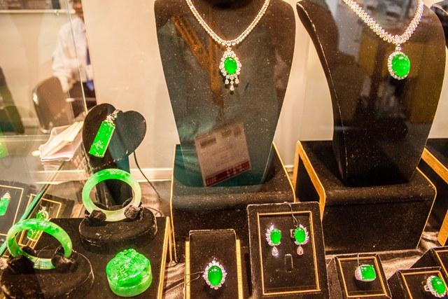 dave-siskin-9-2015-sep_hk_fair_imperial-jadeite